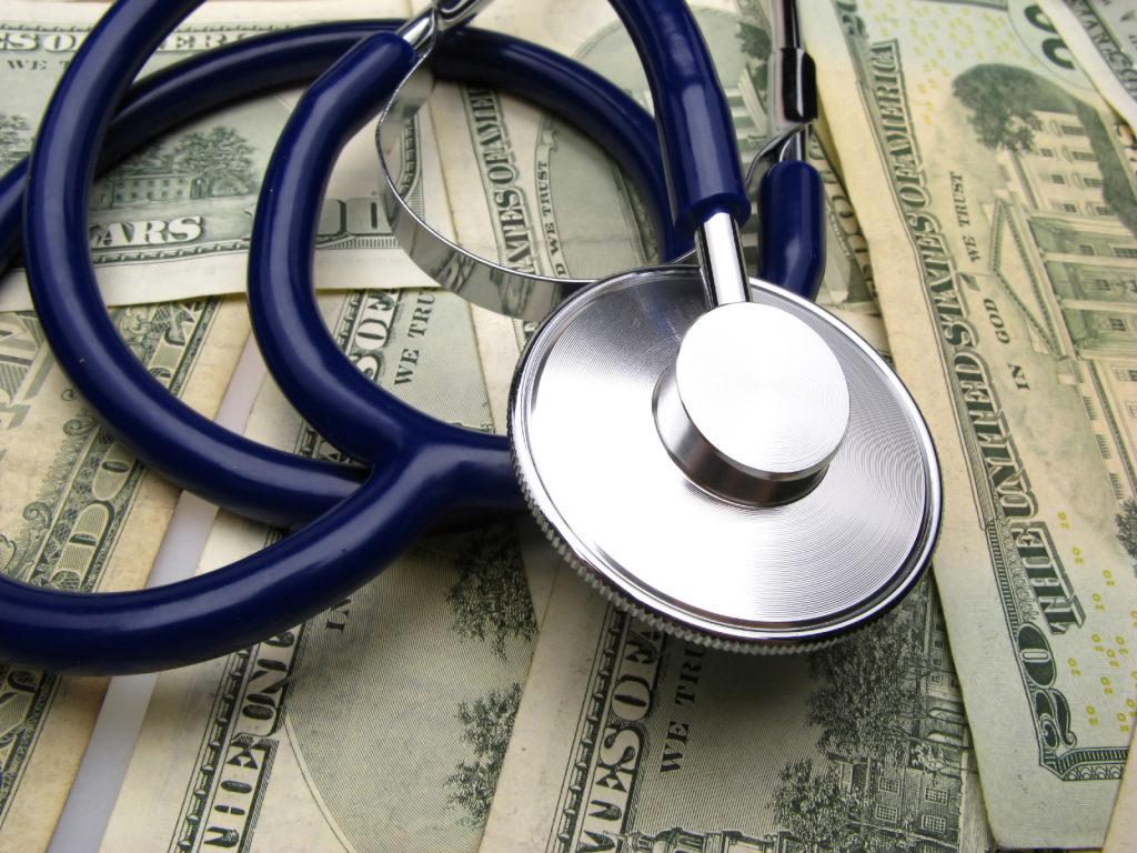 страховщики выполняют финансовое обеспечение медпомощи