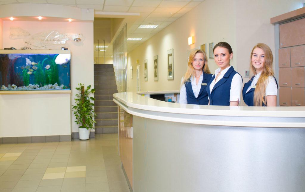стоматология по омс возможна и в частных клиниках