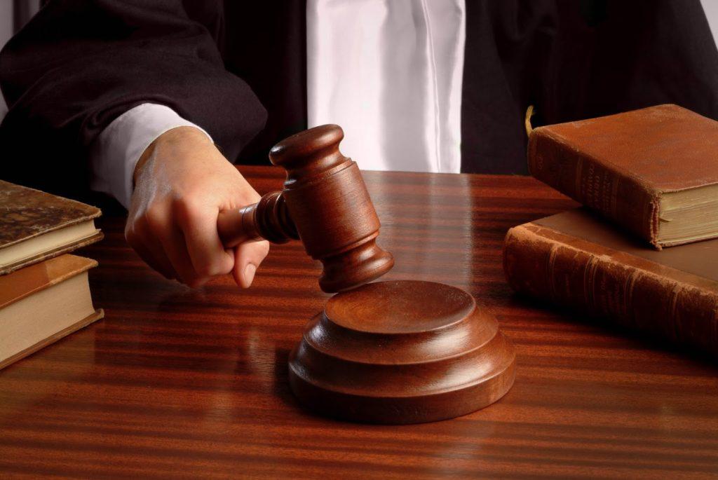 расторгнуть договор страхования жизни и вернуть деньги можно через суд