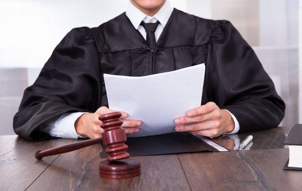 при отказе страховой компании в выплате по полису нужно обратиться в суд