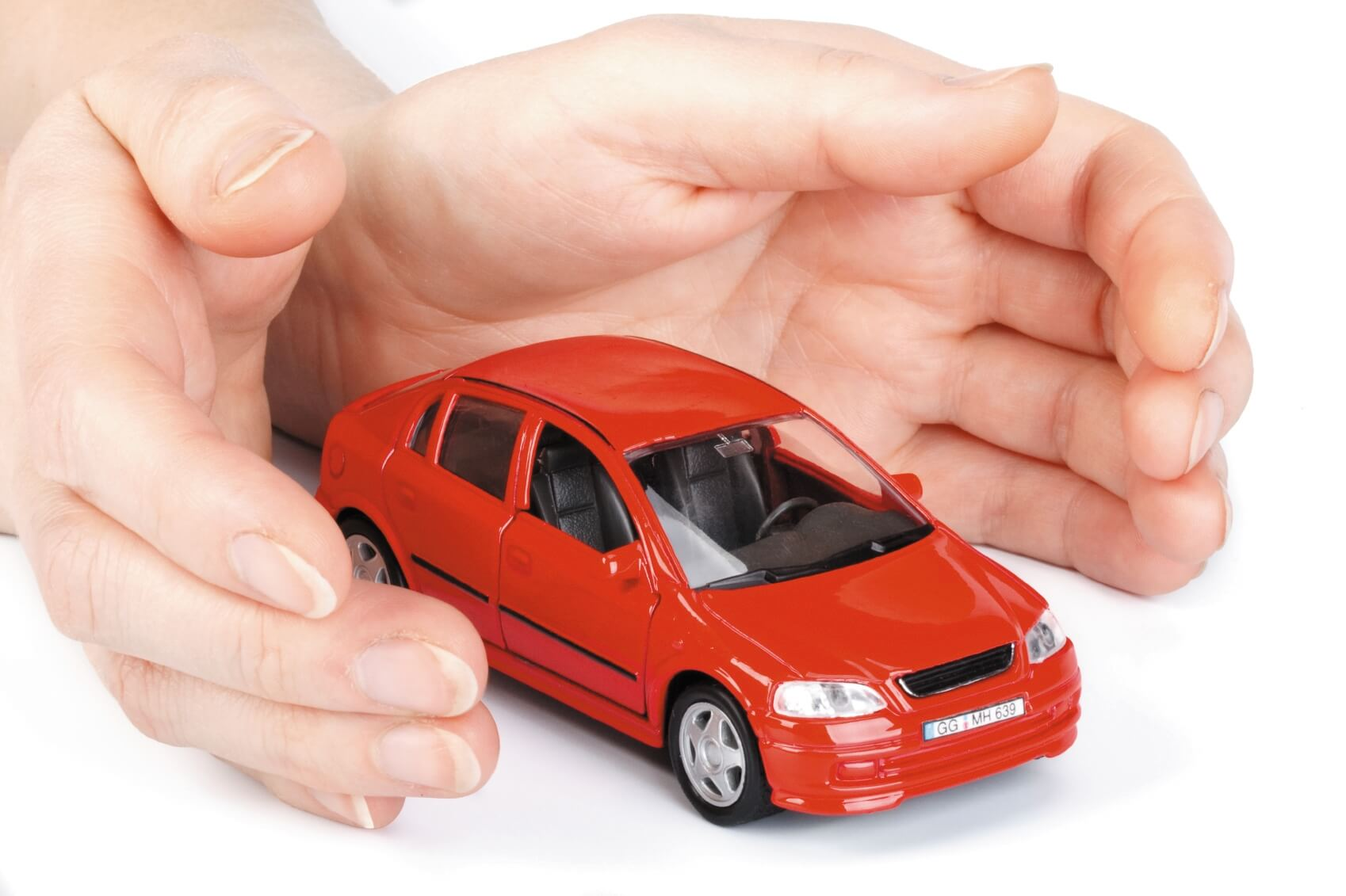 можно ли застраховать машину без прав