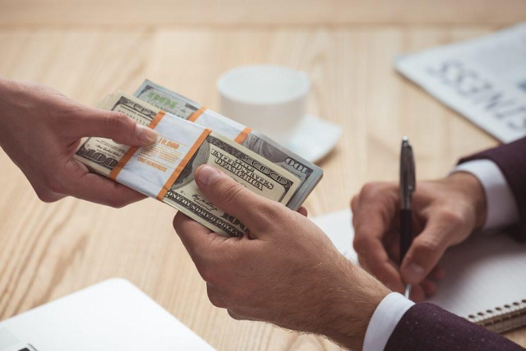 выплаты по страхованию банковских карт