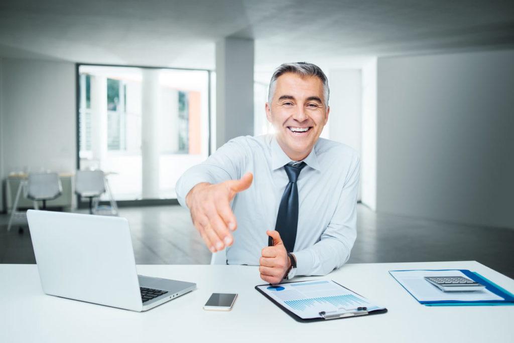 преимущества работы страховым агентом