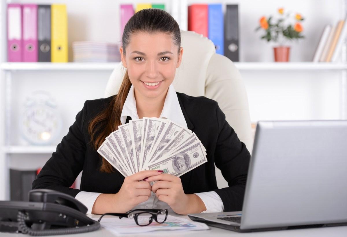 сколько зарабатывает страховой агент