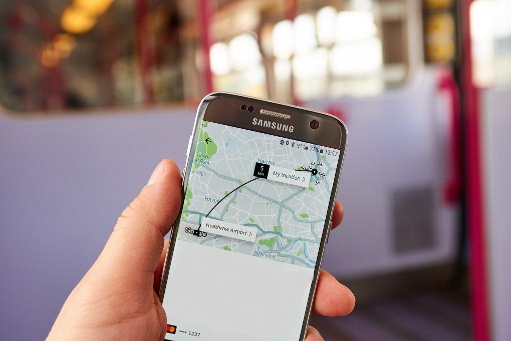 где можно оформить  страховку смартфона