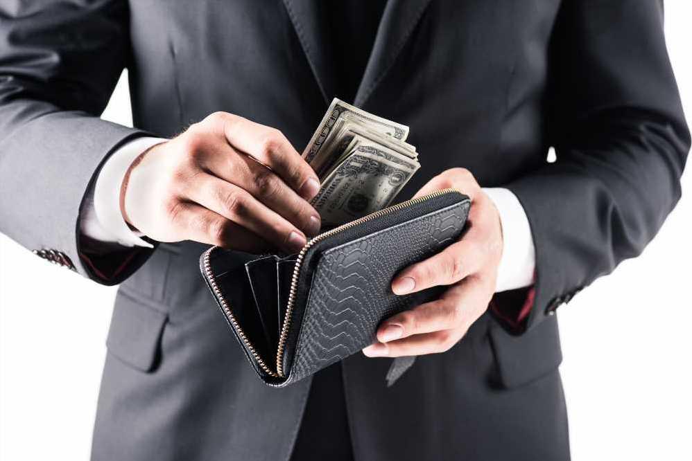 зарплата страхового брокера, агента