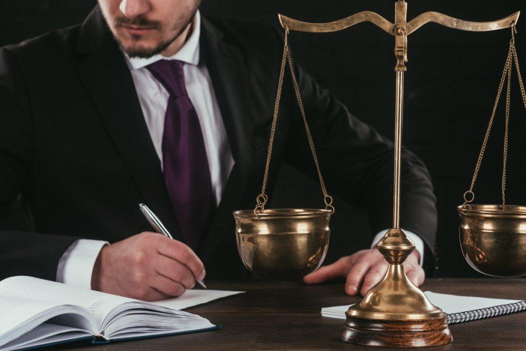 решение страхового спора в суде