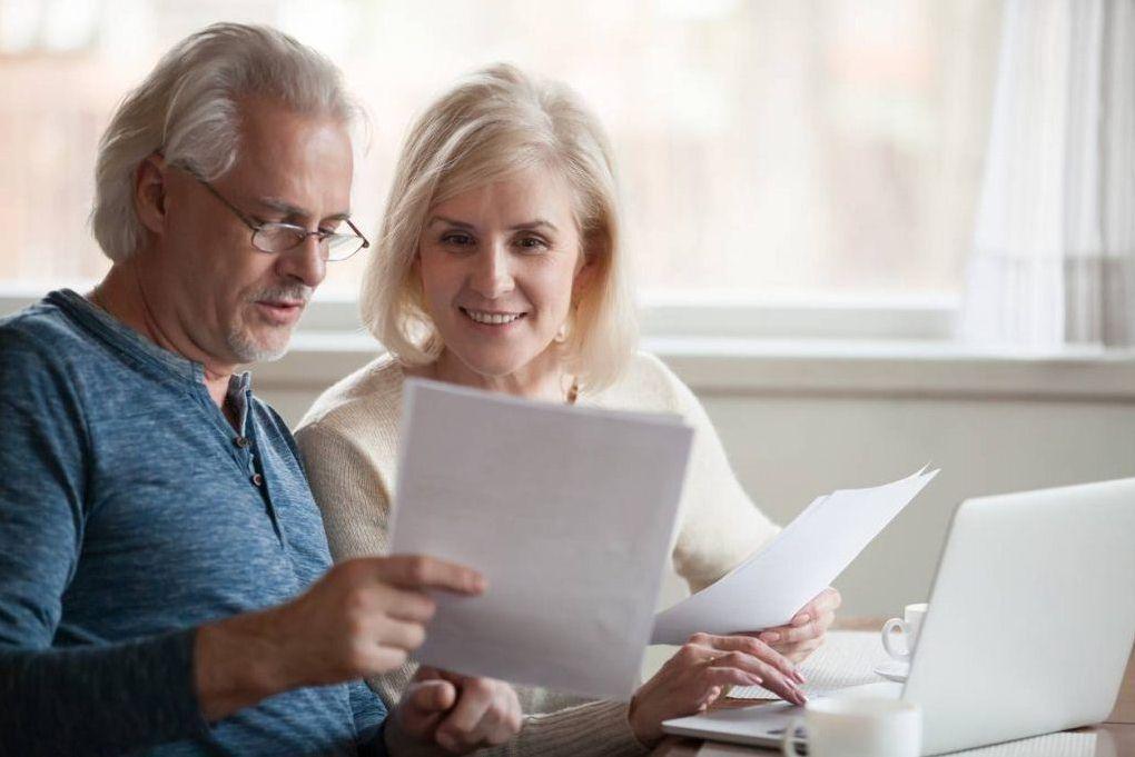 Особенности получения страховой части пенсии работающим пенсионером