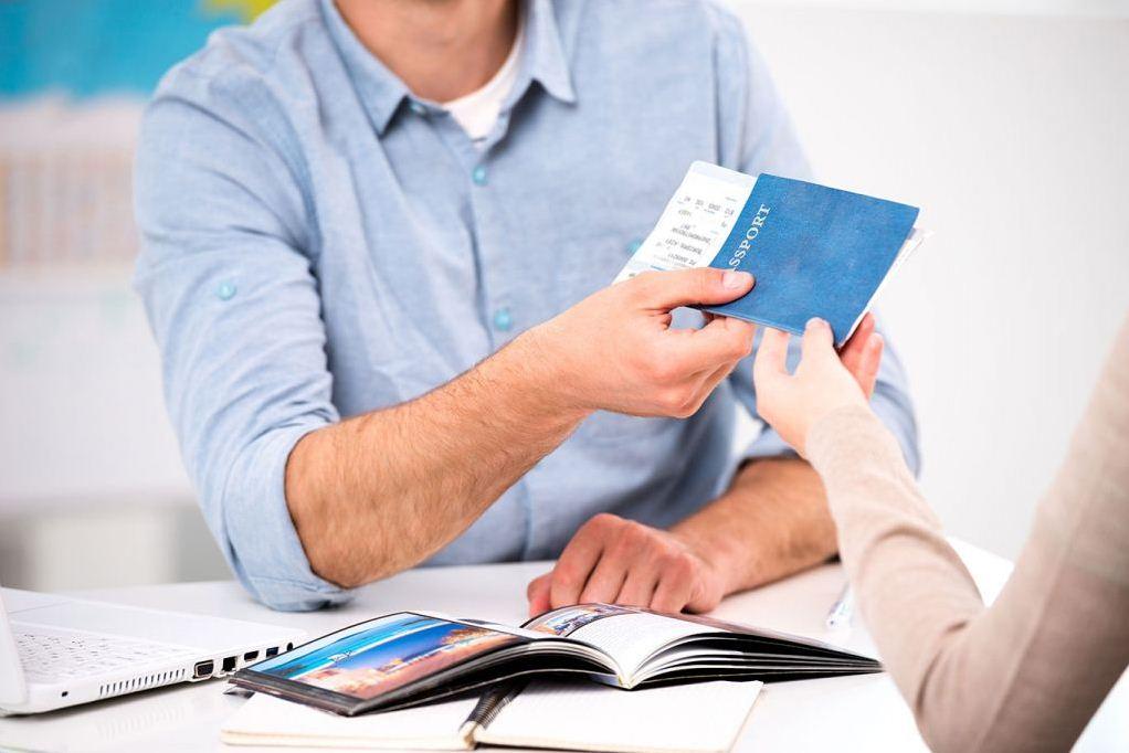 Какие документы нужны для оформления страховки в Грецию