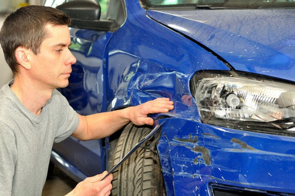 страховые компании настаивают на возмещении в виде ремонта машины, возможно ли каско в виде денежной выплаты
