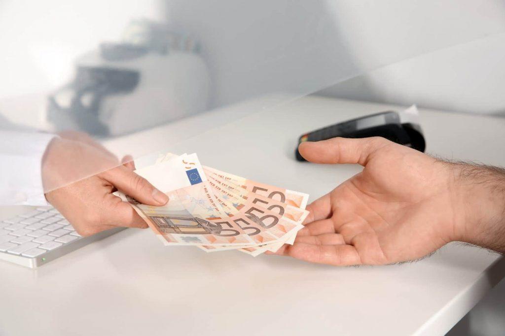 Как получить денежную выплату в качестве возмещения по КАСКО