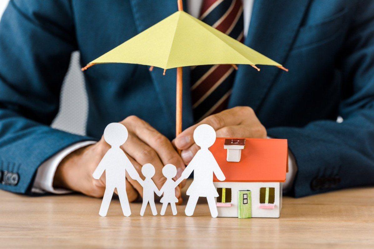 Права и обязанности застрахованного лица