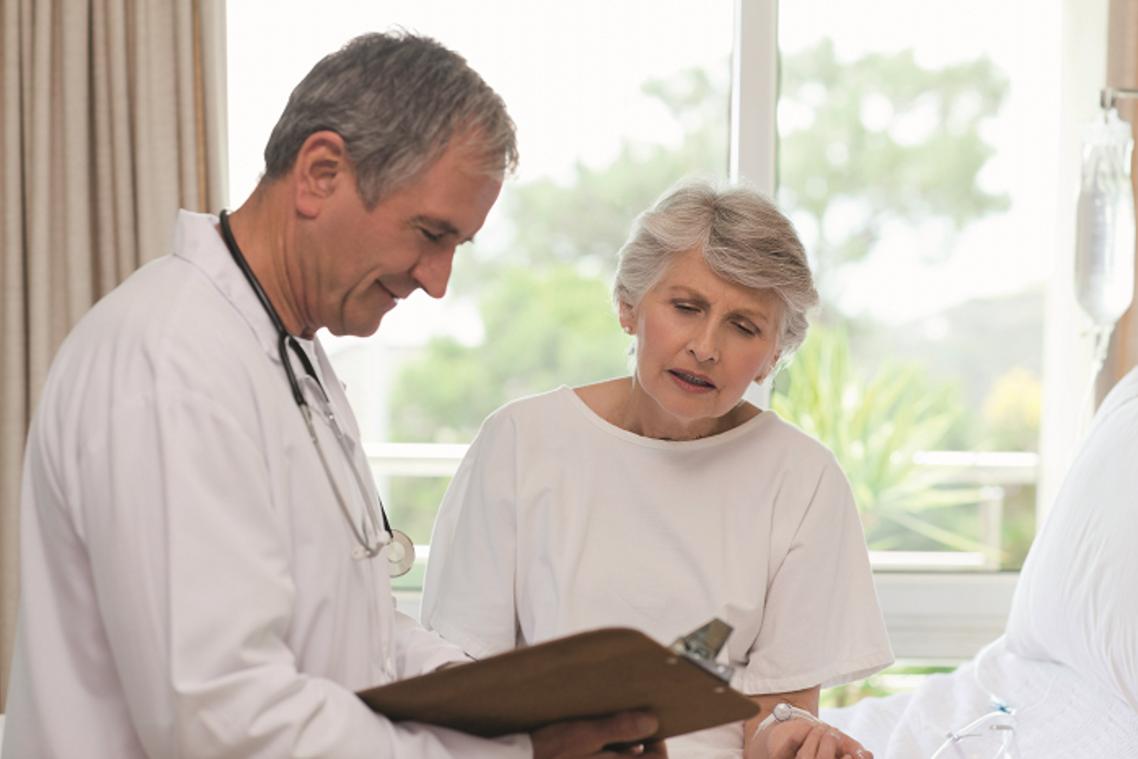 в каком порядке происходит смена поликлиники по ОМС