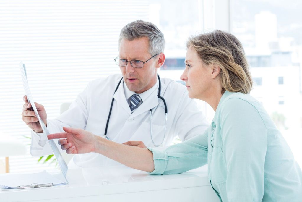 как поменять поликлинику по ОМС, возможные нюансы