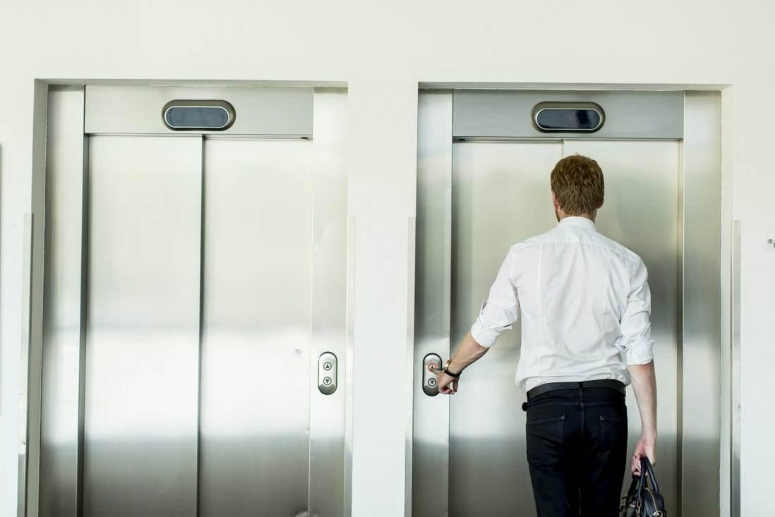кто обязан страховать лифты как опасные объекты