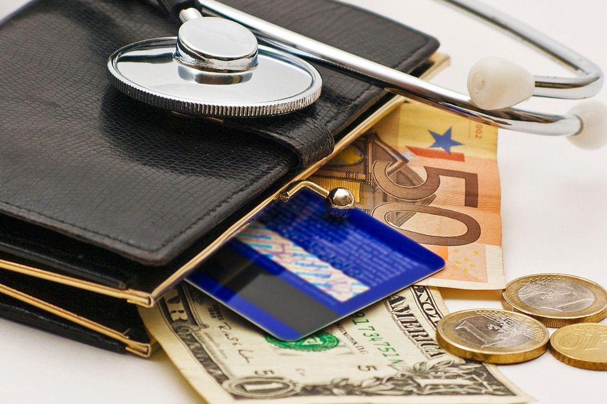 Покрываемые риски и размер страховых выплат страховки для путеществующих в Райффазен