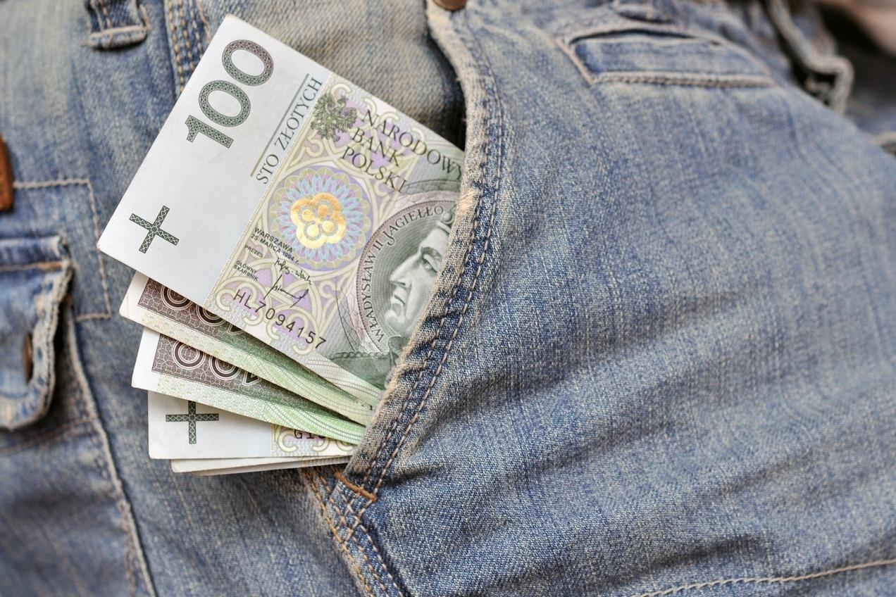 как пользоваться страховкой за границей, оплата из своего кармана