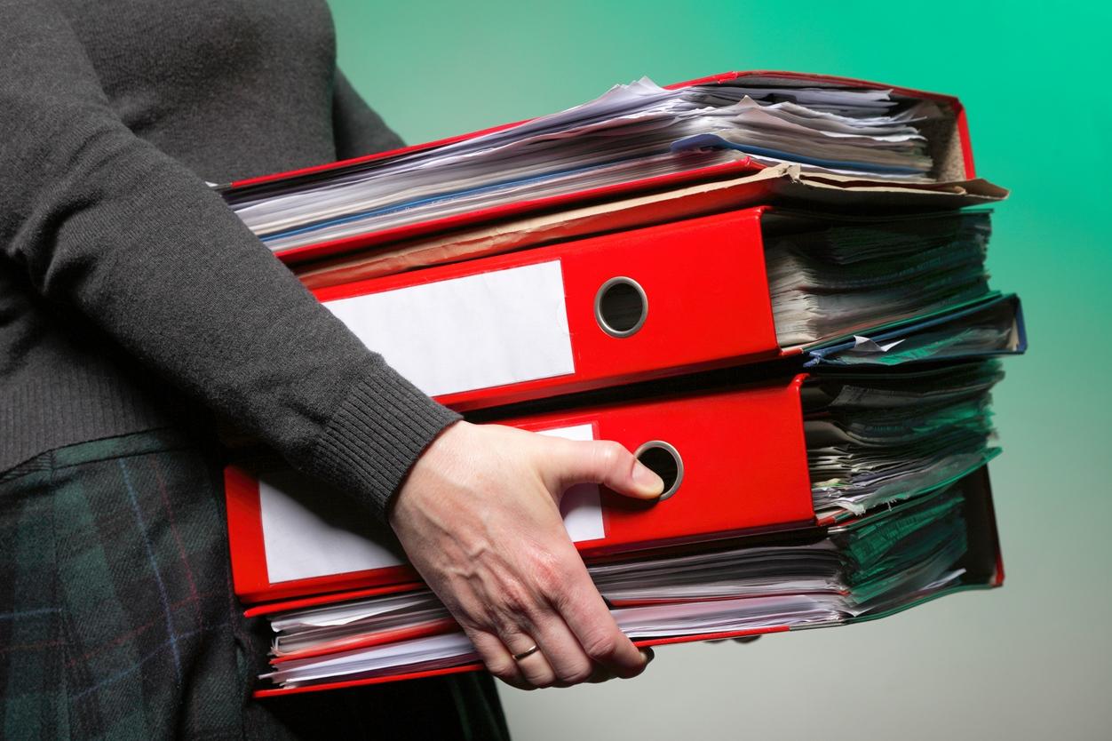 кто должен сдавать отчет о сведениях о трудовой деятельности застрахованного лица