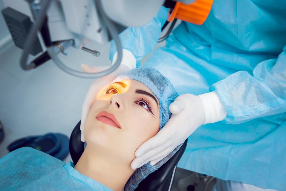 можно ли сделать лазерную коррекцию зрения бесплатно по омс