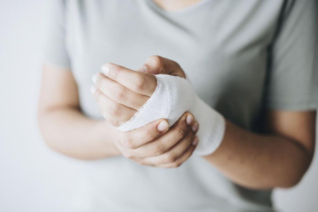 Страхование от несчастных случаев и болезней, оквед страхование