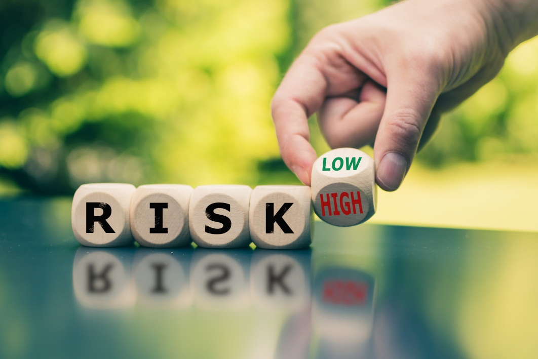 риски при страховании контрактов