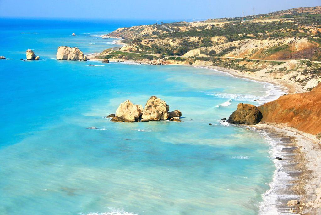 местные пляжи на Кипре, город Полис