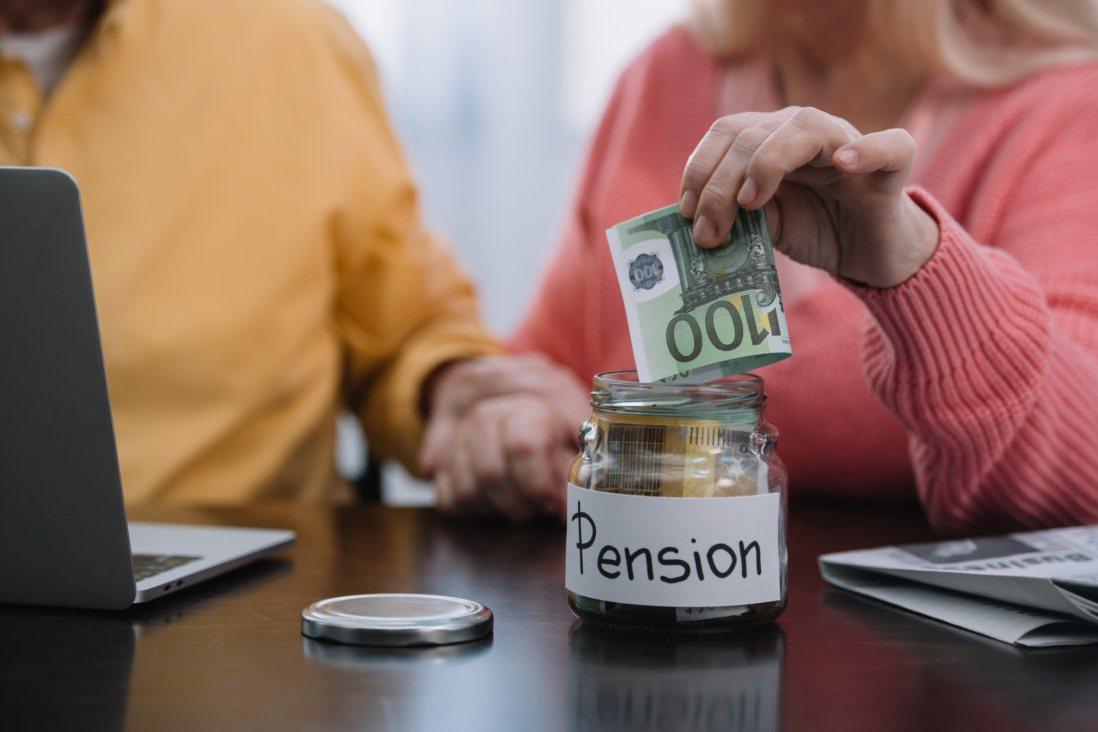 какая назначается пенсия инвалиду без страхового стажа