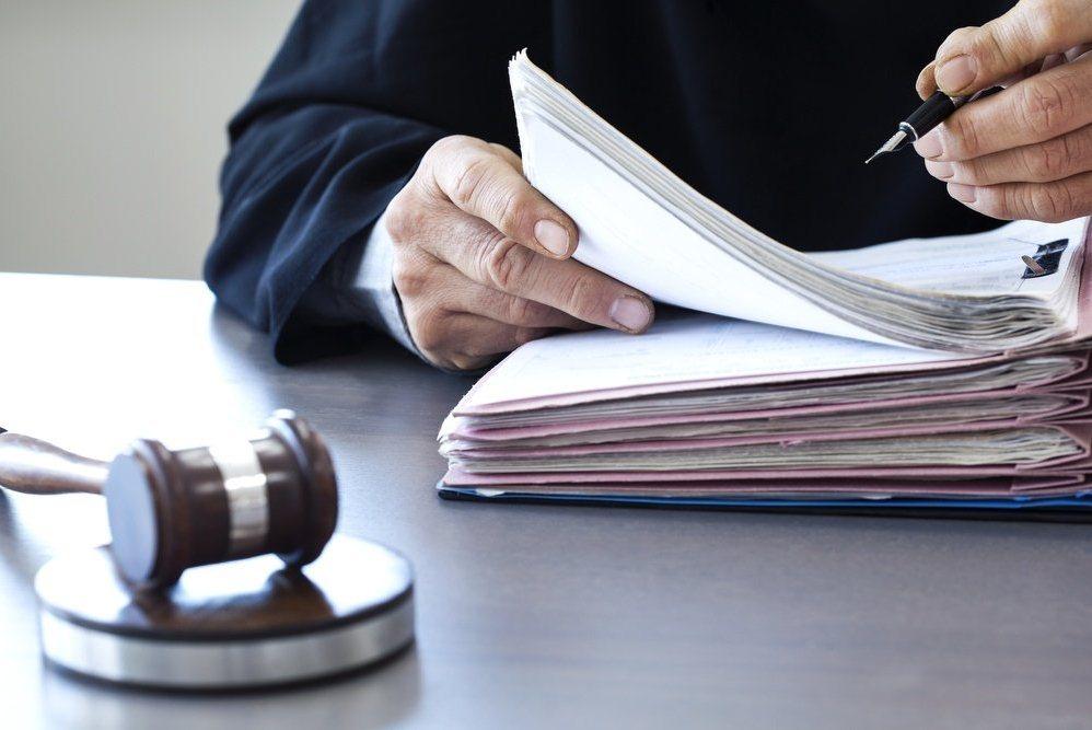 что говорит законодательная база  об особенностях возмещения застрахованному морального вреда