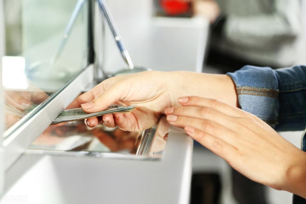 особенность вкладов в в застрахованных банках без страхования жизни, в каком банке открывать вклад