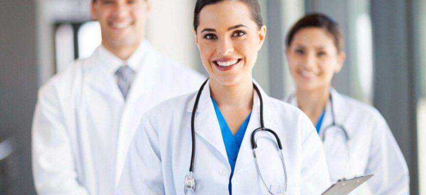 страховой медицинский представитель
