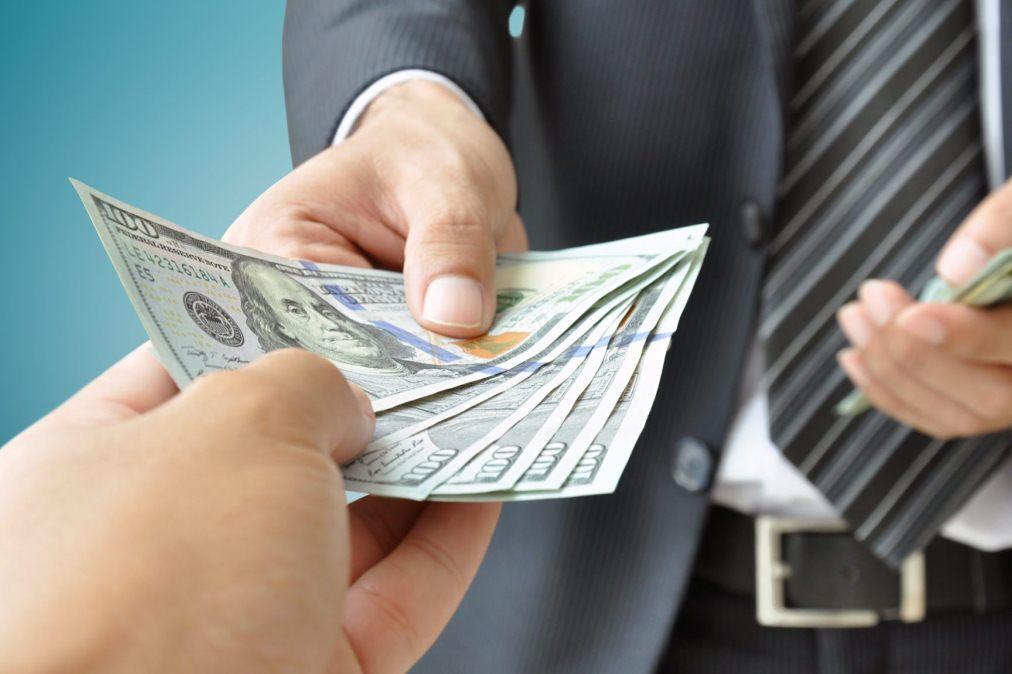 должности в страховой компании, как оплачивается труд в страховой компании
