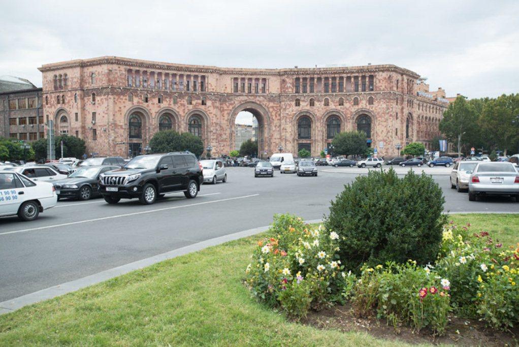 нужна ли страховка на авто в Армению для россиян